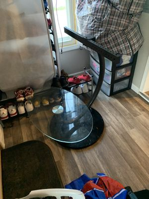 Tv stand 60$ for Sale in Roseville, MI