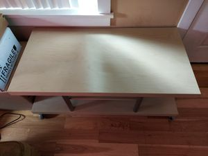 White TV stand/table for Sale in Maple Valley, WA