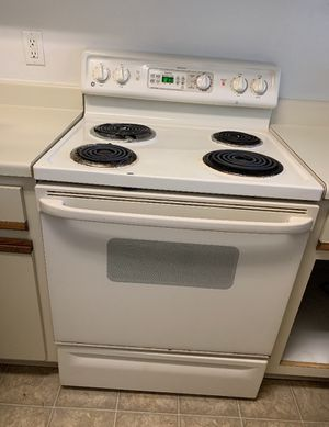 Stove, dishwasher, and two door refrigerator for Sale in Orlando, FL