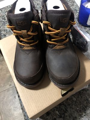 Ugg toddler boots for Sale in Bellwood, IL