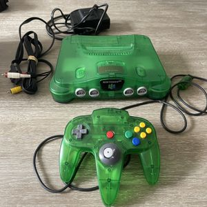 Nintendo 64 Jungle green Console And Controller Works Great N 64 for Sale in Fort Lauderdale, FL