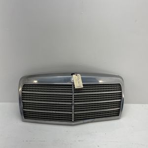 For 1981-1985 Mercedes-Benz 500SEL 380SEL SD FRONT CHROME GRILLE for Sale in Chino Hills, CA