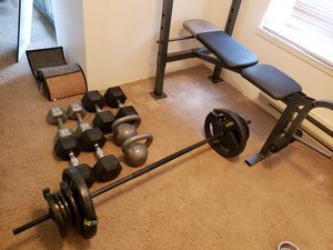 Weight set and Bench for Sale in Enumclaw, WA