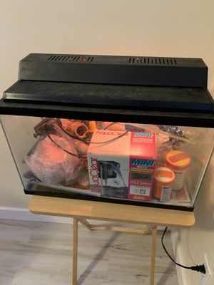 Fish tank for Sale in McKeesport, PA