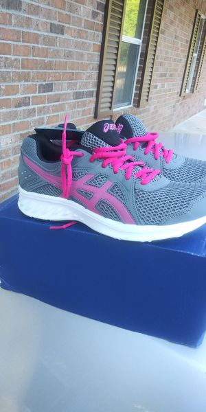 New women size 8 Asics for Sale in Hammond, LA