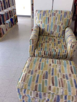 Single chair with ottoman for Sale in Miami, FL