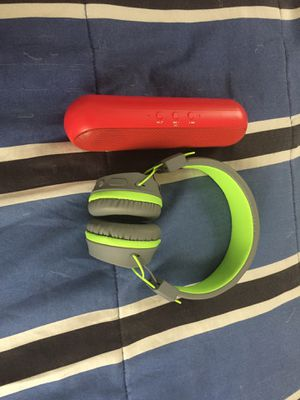 Bluetooth Headphones and speaker for Sale in Tampa, FL