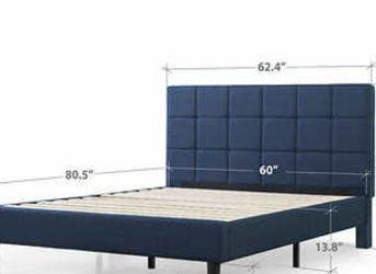 Blackstone King Upholstered Square Stitched Platform Bed for Sale in Arlington,  VA