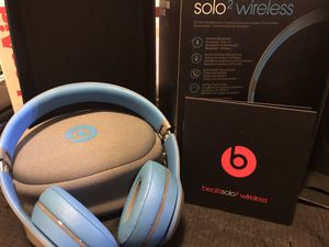 Beats Solo 2 Wireless Head Phones for Sale in Lake Stevens, WA