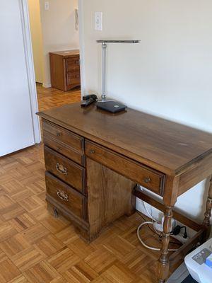 Desk for Sale in New York, NY