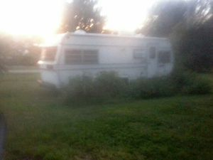 RV 5TH WHEEL Camper, 1980. In need of repair. Good condition. Pm me.Thank you for Sale in Plainville, IN