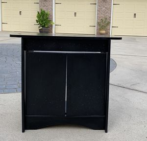 Fish Tank Cabinet (31W x 28H x 15D) for Sale in Raleigh, NC