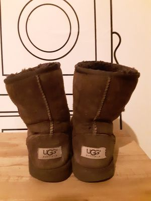 UGGS Australia Size 4 for Sale in Brooklyn, NY