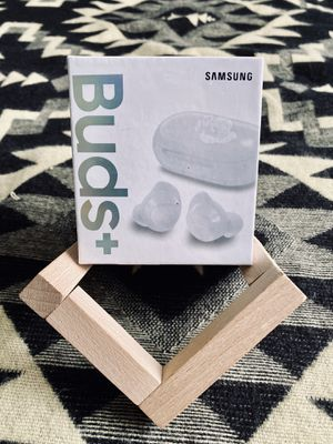 Earbuds Samsung Black / White for Sale in Danbury, CT