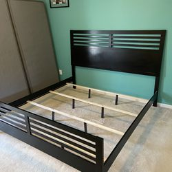 King Bed Frame for Sale in Raleigh,  NC