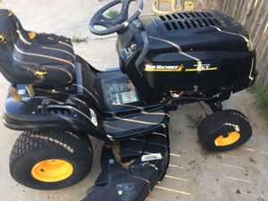 Riding mower for Sale in Amarillo, TX