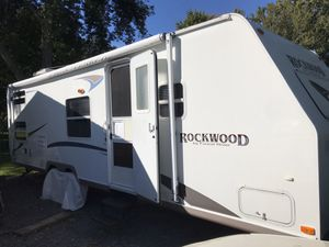 2004 Rockwood by Forest River 2601 Ultra lite travel trailer for Sale in Ransomville, NY