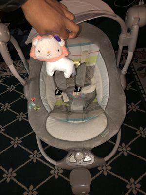 Basic baby swing for Sale in Pittsburgh, PA