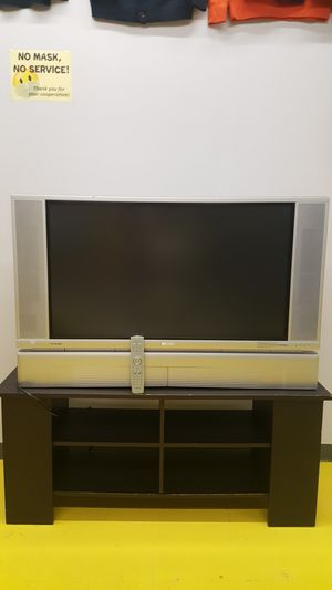 TV HITACHI ULTRAVISION DIGITAL for Sale in Grand Rapids, MI
