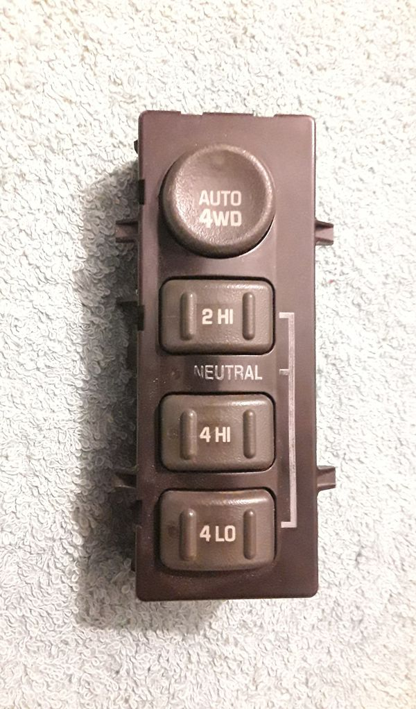 99-02 GM 4x4 Selector Switch for Chevy and GMC in good condition.