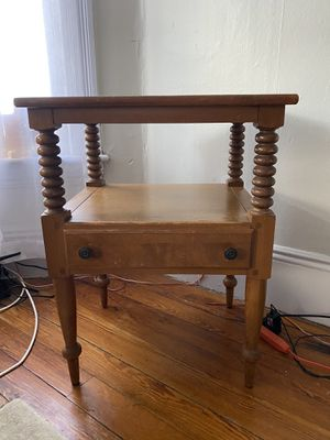 End table for Sale in West Somerville, MA