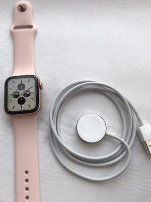 Apple Watch Series 4 ( 40mm ) GPS+Cellular Gold Aluminum Plus Apple Warranty for Sale in Hacienda Heights, CA