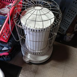 KEROSENE HEATER. for Sale in Columbus, OH