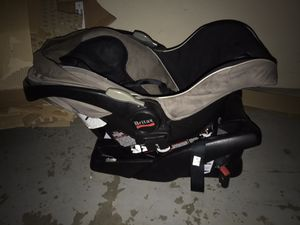 Britax Baby car seat and carrier for Sale in San Leandro, CA