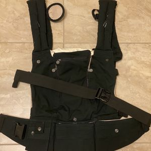 LÍLLÉbaby Complete All Seasons Six-Position 360° Ergonomic Baby and Child Carrier, Black for Sale in Downers Grove, IL