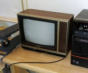 Vintage Toshiba TV for Sale in Tampa, FL