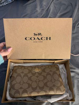 Coach Double Zip Wallet for Sale in Torrington, CT