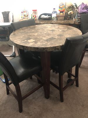 Dining Room Table w/ 4 Chairs for Sale in Ashburn, VA