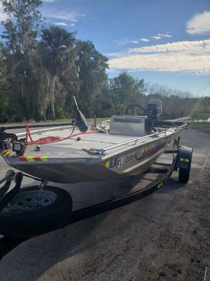 16 foot aluminum bass tracker center console for Sale in St. Cloud, FL