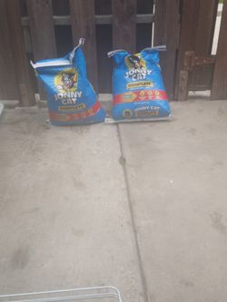 2 Bags Johnny Cat Litter for Sale in Monterey Park,  CA