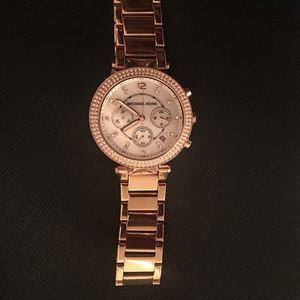 Michael Kors watch-woman Rose Gold for Sale in Merced, CA