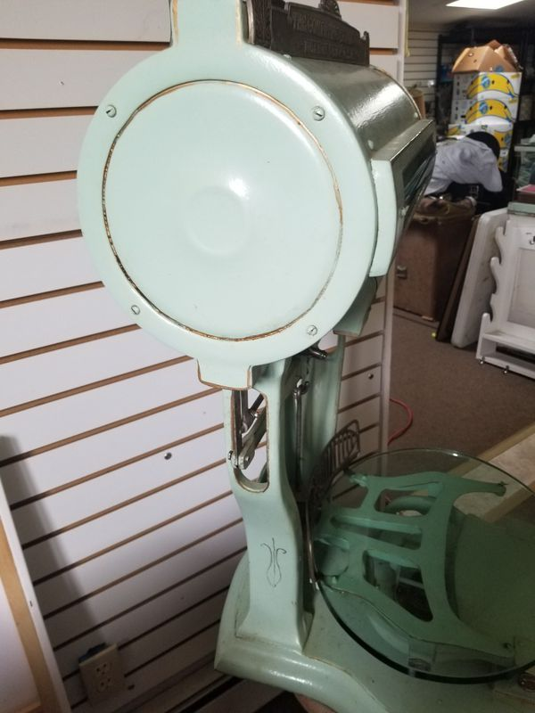 Antique scale ,made by the Computing scale company of Dayton OHIO