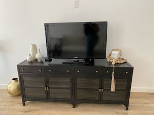 Four hands Belmont Black Shadow Box Media Console (pottery barn) for Sale in Rossmoor, CA