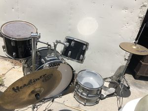TAKE NOW! Remo Weather King Drum Set :) for Sale in Long Beach, CA