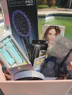 $50 HAIR & BEAUTY BASKET for Sale in Las Vegas,  NV