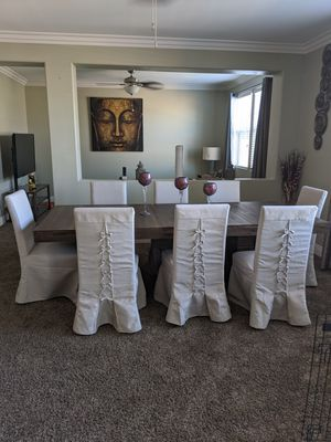 Modern Like New Dinning Room Table for Sale in North Las Vegas, NV