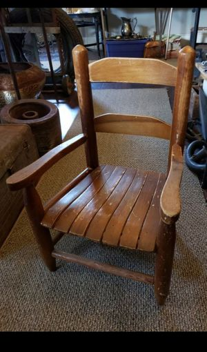 Antique child's chair for Sale in Columbus, OH