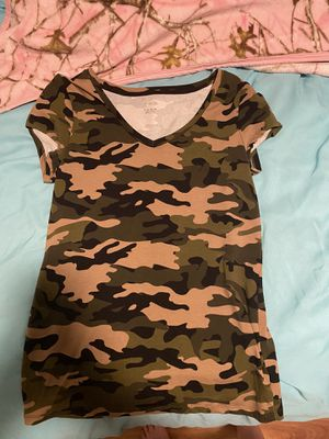 Womens Camo Shirt XL for Sale in Cooper City, FL