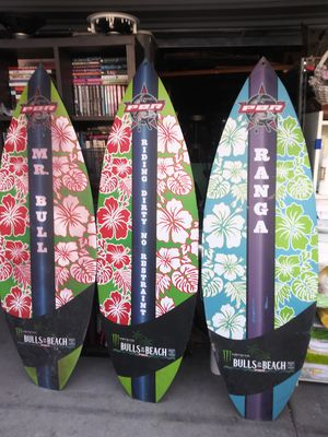 (3) 5 ft long cardboard surfboard promotional items PBR Bull, Bulls on the Beach Promotional items. for Sale in Las Vegas, NV