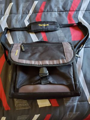 Targus CityGear mini carrying case for iPad, tablet, or netbook for Sale in Willow Spring, NC