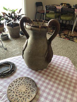 Beautiful vase for Sale in Shawnee, KS
