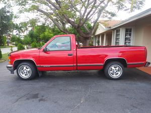 1997 Chevy Silverado 1500 half ton fully loaded read Beauty a C350 automatic this is an original Texas truck that came to Florida about 3 months ago for Sale in Oakland Park, FL