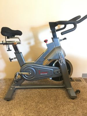 Sunny Health & Fitness SF-B1516 Commercial Exercise Cycle Spin Bike for Sale in Ridgefield, WA