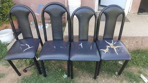 Free black table chairs, sillas negras for Sale in Riverside, CA