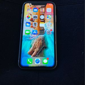iPhone 11 64gb Cricket for Sale in Folsom, CA