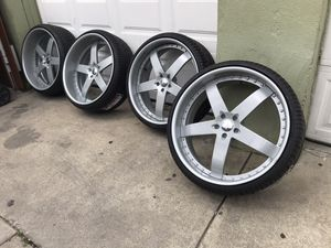 "24"" 24 inch 24s 2 piece Brutus wheels rims staggered offset. Rear lip bigger than front. No welds. No cracks. No leaks. Air sensors included. New tir for Sale in Cicero, IL"